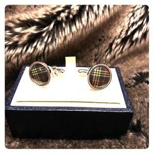 Burberry cufflinks silver chrome round with print